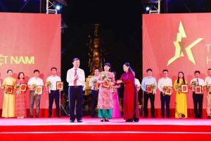 """Hải Hà – Kotobuki vinh dự nhận kỉ niệm chương """"Tự hào Việt Nam 2020"""""""