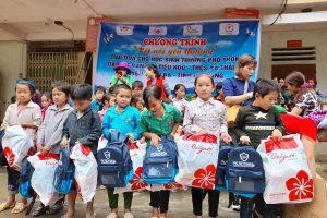 Hải Hà – Kotobuki tặng quà cho học sinh nghèo tại Hà Giang